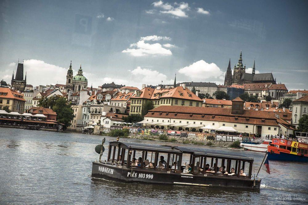 Plavba po Vltavě na patentním člunu Vodouch